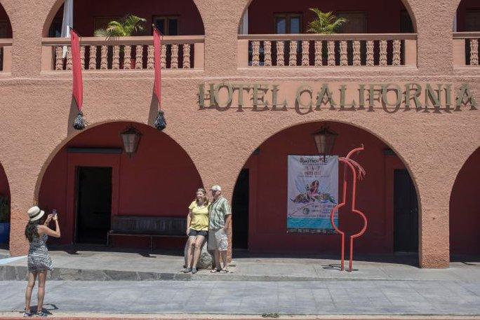 Khách sạn thu hút nhiều du khách vì cái tên trùng lắp ca khúc bất hủ