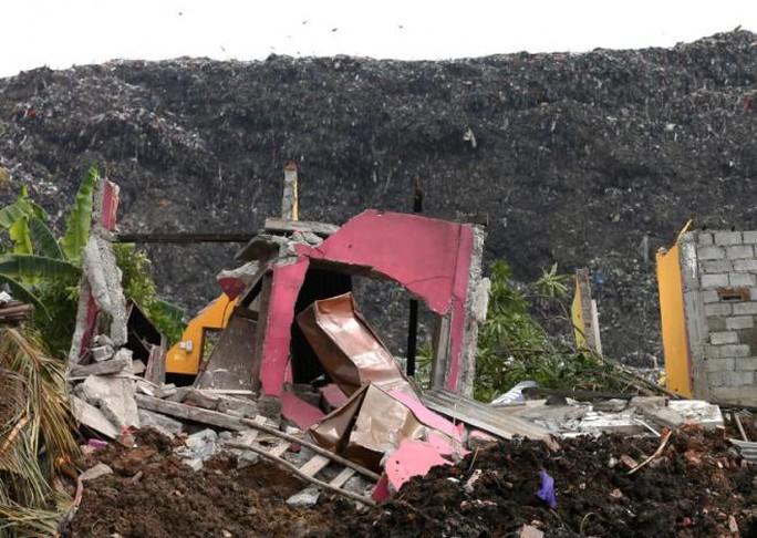 Các nhân chứng cho hay ít nhất 40 căn nhà bị phá hủy vì vụ việc. Ảnh: Reuters