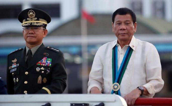 Ông Duterte chọn nữ vũ công làm trợ lý thư ký truyền thông - Ảnh 3.