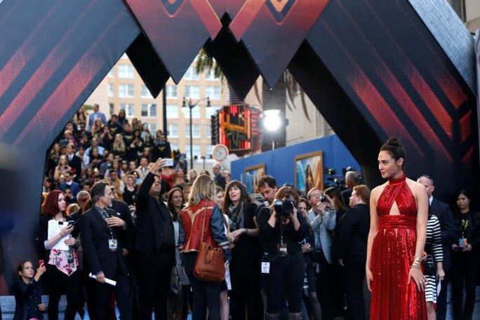 Thắt chặt an ninh tại buổi ra mắt phim Wonder Woman - Ảnh 1.