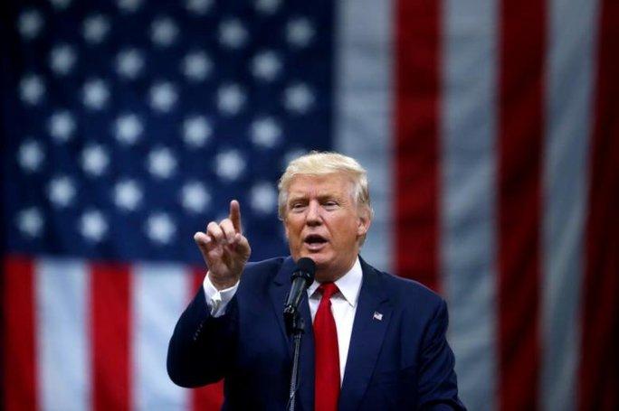 Ông Trump sắp ra lệnh xây bức tường dọc biên giới Mexico? Ảnh: REUTERS