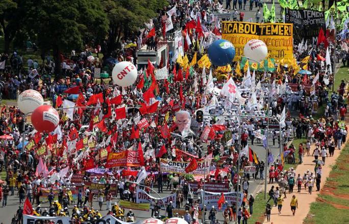 Brazil: Tổng thống dùng quân đội trấn áp biểu tình - Ảnh 6.