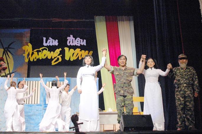 NSƯT Thanh Tuấn vác ba lô xuyên Việt - Ảnh 5.
