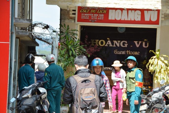 Lực lượng chức năng TP Đà Lạt (Lâm Đồng) bảo vệ hiện trường, xác minh làm rõ.