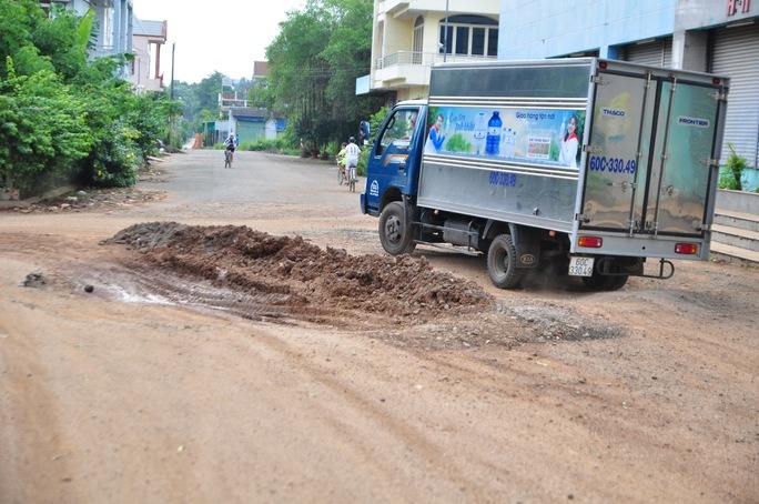 Người dân chặn xe trốn trạm BOT tuyến tránh Biên Hòa - Ảnh 10.