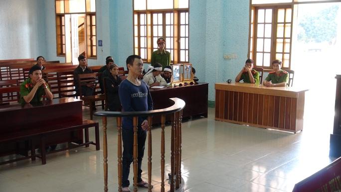 Quang cảnh phiên tòa