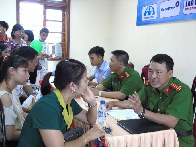 Lần đầu tiên tổ chức Ngày hội tư vấn cho công nhân - Ảnh 5.