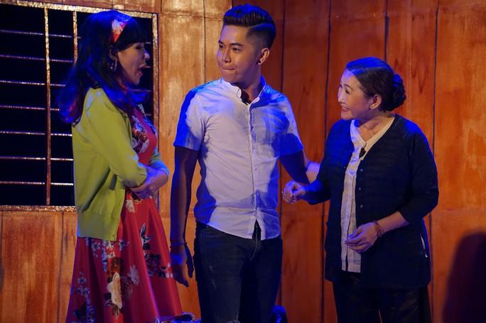 Học trò kỳ nữ Kim Cương hết mình với đệ tử Hoài Linh - Ảnh 3.