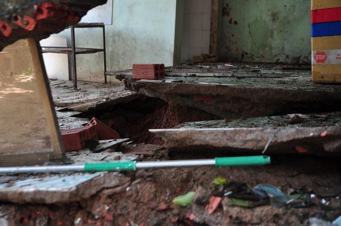 Đồng Nai: Hàng loạt căn nhà sập do sạt lở - Ảnh 2.