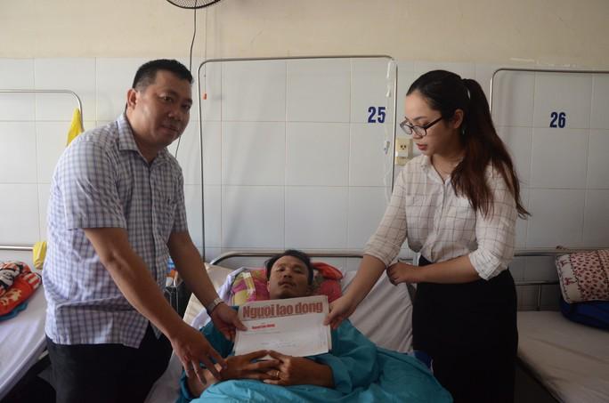 Bạn đọc Báo Người Lao Động hỗ trợ 20 triệu đồng cho nạn nhân vụ sạt lở núi - Ảnh 1.