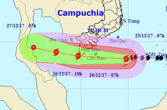 Dự báo mới nhất về bão số 16 (Tembin): Tâm bão lệch xuống phía Nam - Ảnh 2.