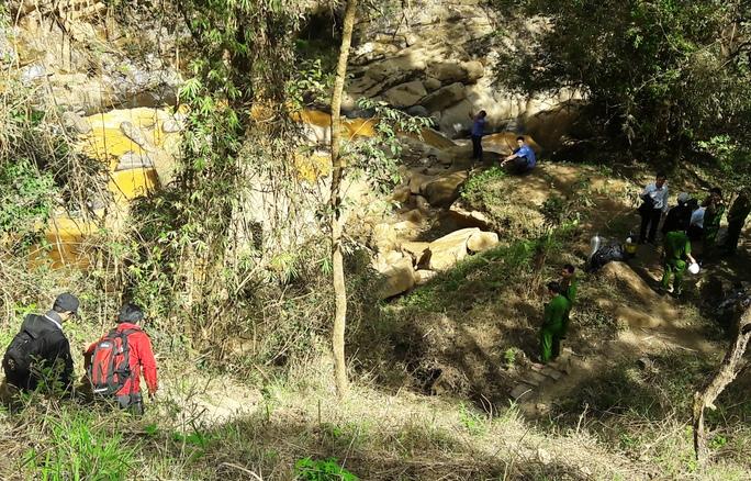 Hiện trường vụ tai nạn làm 2 người chết ở thác Hang Cọp