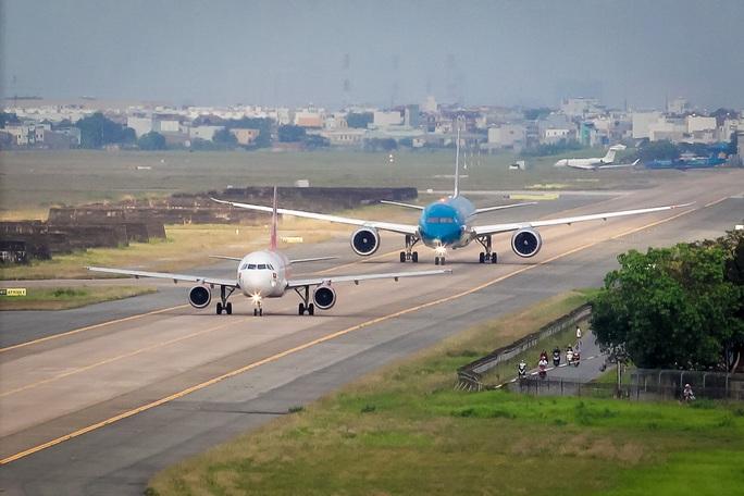 Có thể mở rộng sân bay Tân Sơn Nhất - Ảnh 1.