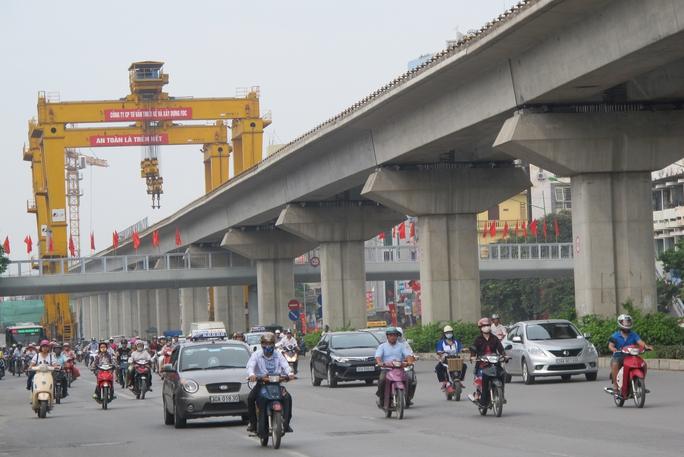 Mỗi người dân Việt Nam gánh 30 triệu đồng nợ công - Ảnh 1.