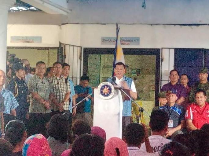 Khi Tổng thống Duterte xin lỗi - Ảnh 1.