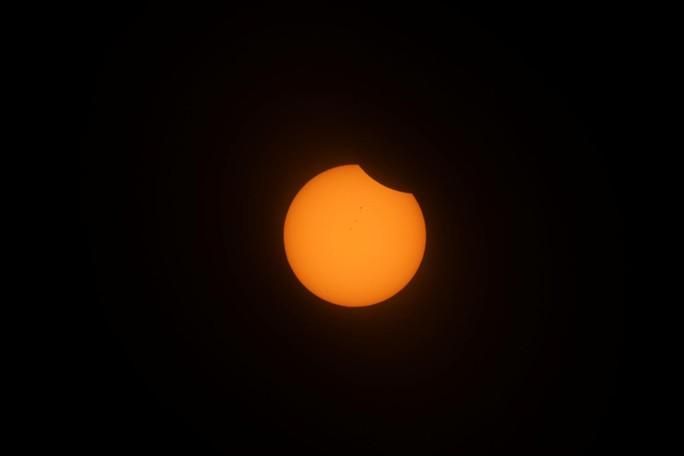 Chiêm ngưỡng nhật thực toàn phần tại Mỹ - Ảnh 6.