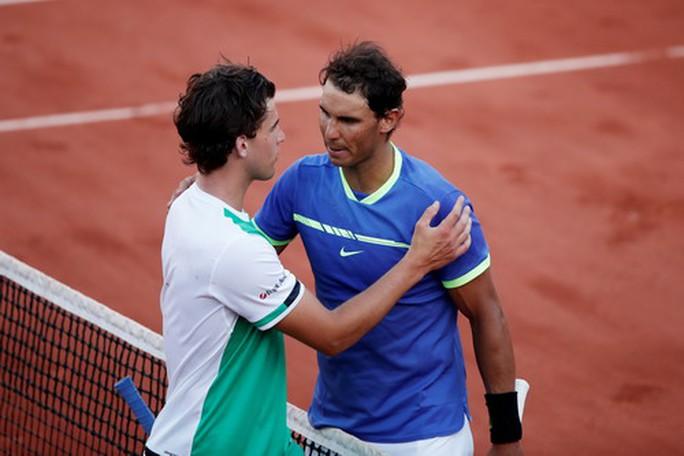 Vua Nadal thắng tốc hành, lần thứ 10 vào chung kết Roland Garros - Ảnh 4.
