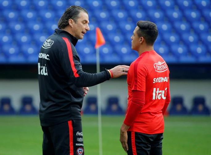 Bayern lôi kéo Sanchez bằng mức lương 350.000 bảng/tuần - Ảnh 2.
