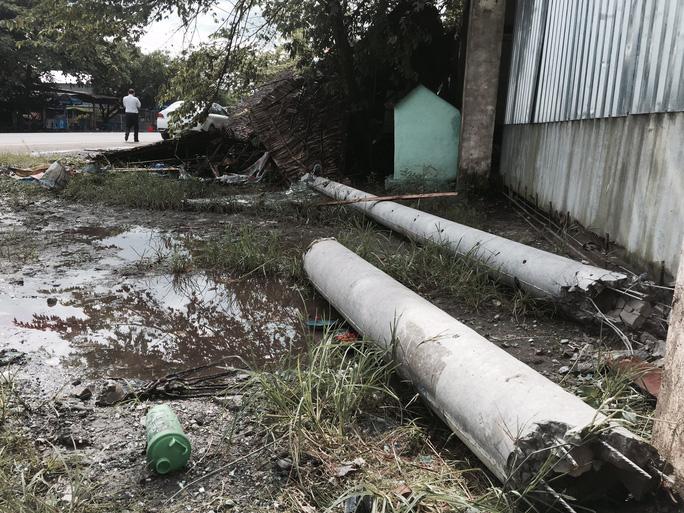 2 người chết, nhiều người kêu cứu thảm thiết trong xe khách gặp nạn - Ảnh 2.
