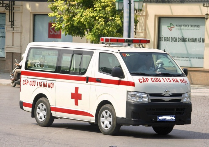 Kíp trực 115 bị tố bỏ cấp cứu bệnh nhân trong đêm - Ảnh 1.