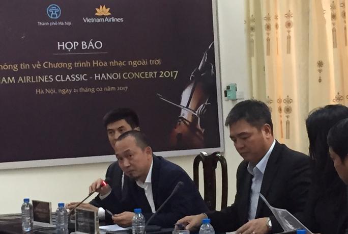 Nhạc sĩ Quốc Trung phát biểu tại buổi họp báo