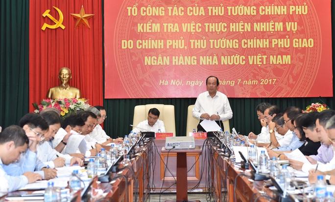 Thủ tướng yêu cầu có chính sách huy động USD trong dân - Ảnh 1.