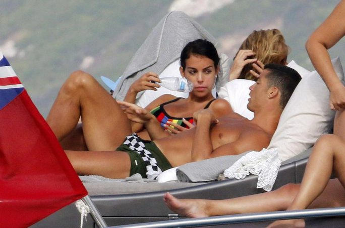 Ronaldo sắp có con thứ tư - Ảnh 5.