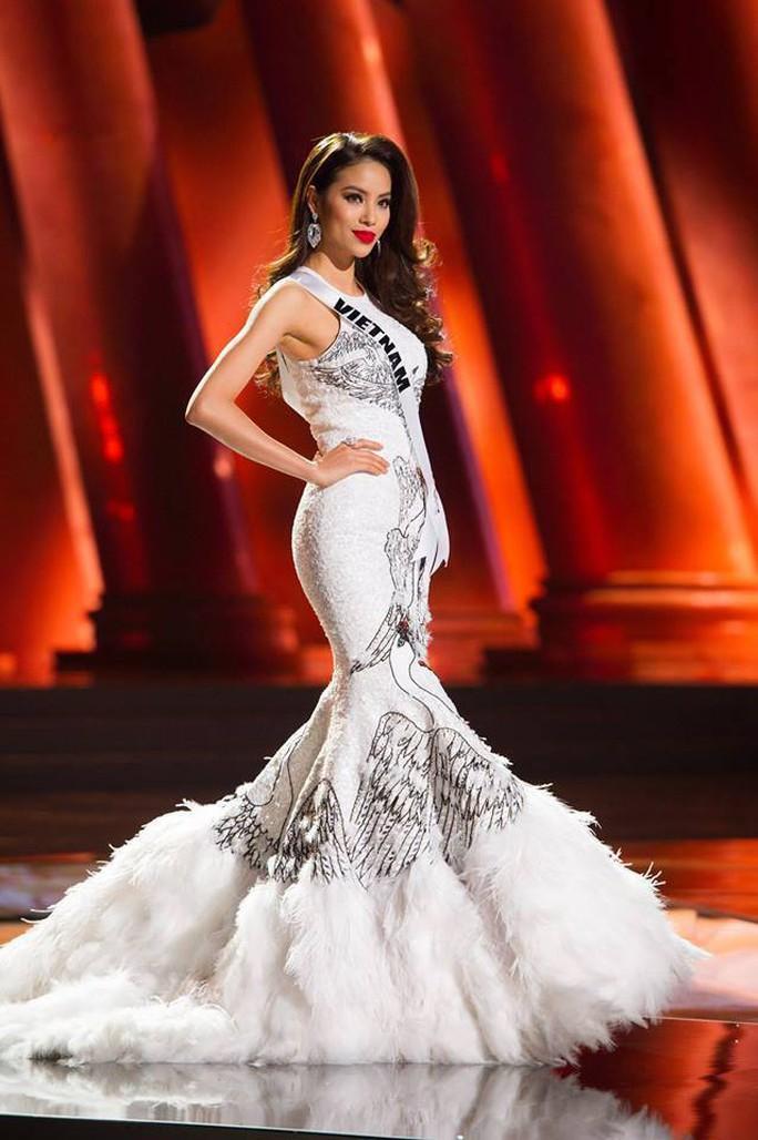 Trang phục dân tộc gây choáng của Thùy Dung ở Hoa hậu quốc tế 2017  - Ảnh 9.