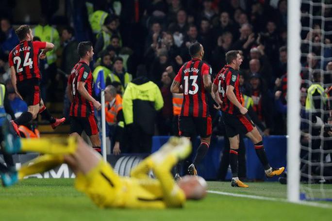 Gục ngã phút 93, Man United thành cựu vương League Cup - Ảnh 7.