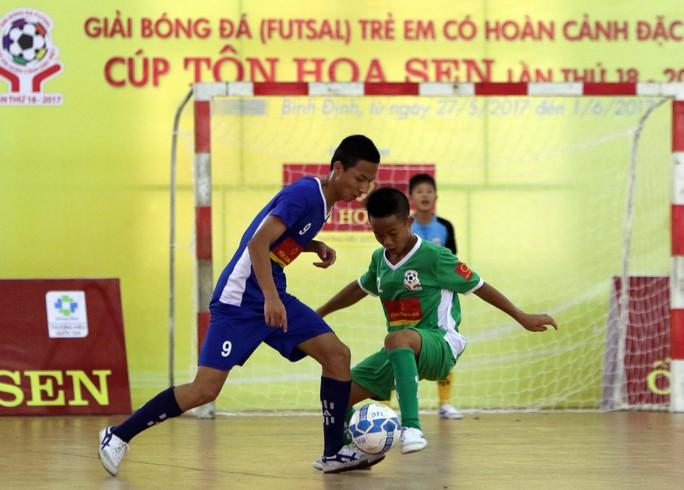 Giải bóng đá trẻ em có hoàn cảnh đặc biệt 2017: Căng ở bảng B - Ảnh 2.