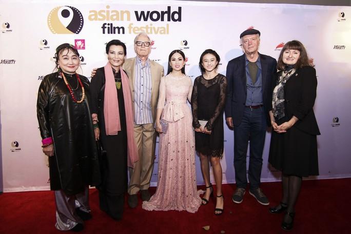 Angelina Jolie sẽ làm phim liên quan đến Việt Nam - Ảnh 8.