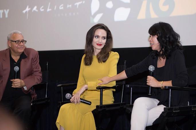 Angelina Jolie sẽ làm phim liên quan đến Việt Nam - Ảnh 2.