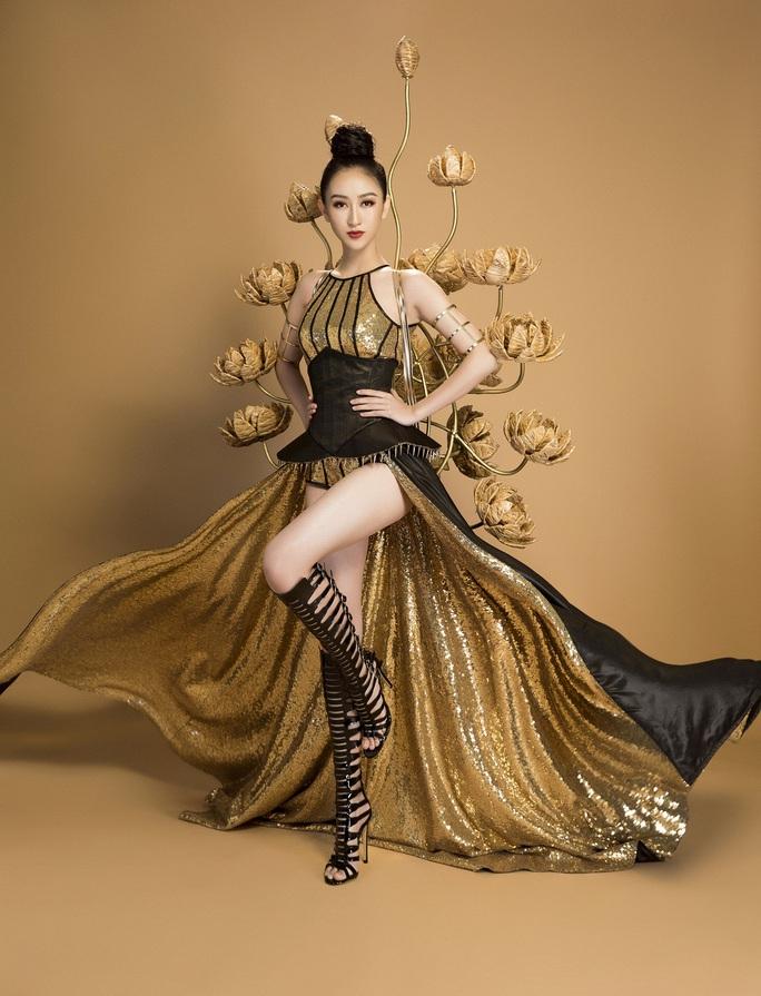Trang phục dân tộc gây sốc của Hà Thu tại Miss Earth - Ảnh 4.