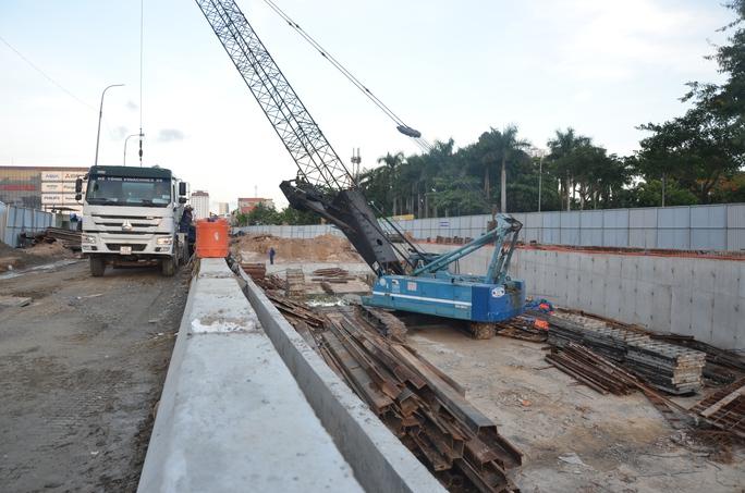 Chủ tịch Đà Nẵng hứa thưởng vài trăm triệu đồng cho công nhân - Ảnh 3.