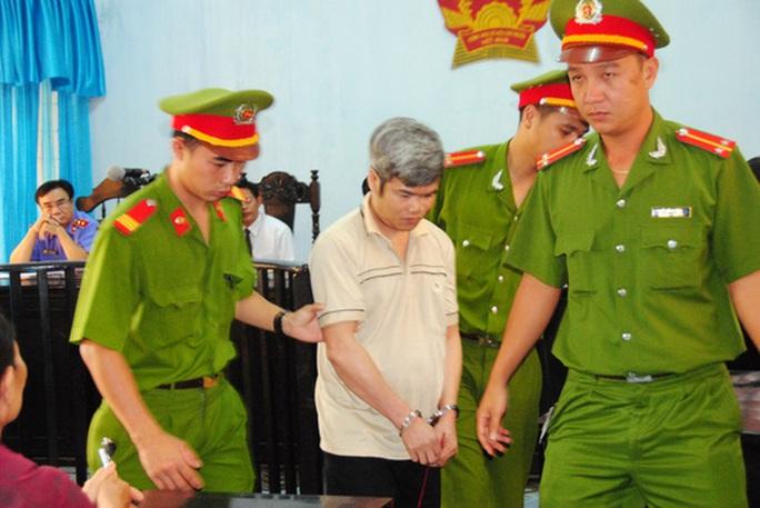 Tử tù giết 2 cháu bé tỏ ra bình thản trước khi tử hình - Ảnh 1.