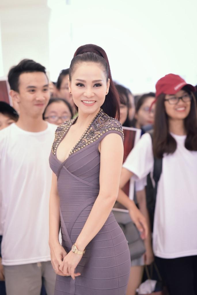 Thu Minh tiết lộ lý do không mời Hương Tràm hát chung - Ảnh 1.