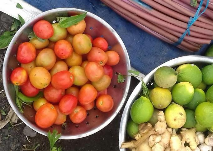 Mối lo thực phẩm bẩn từ các chợ tạm phục vụ công nhân - Ảnh 6.