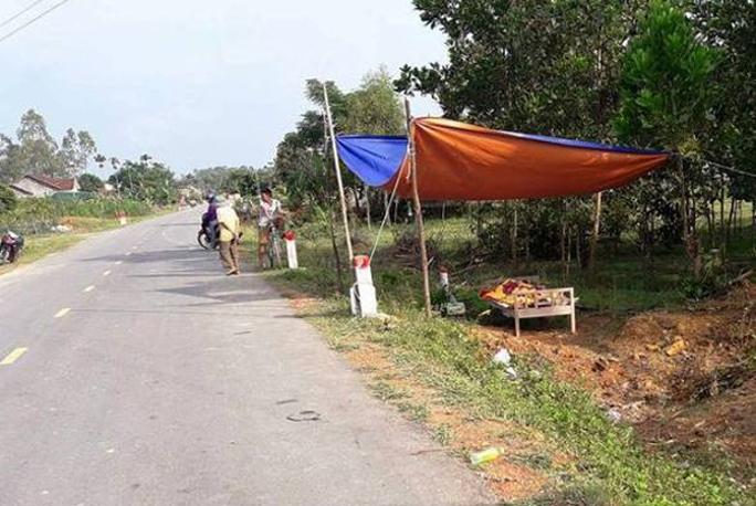 Bỏ chạy sau khi gây tai nạn, xe tải sa lầy cách 2 km - Ảnh 1.