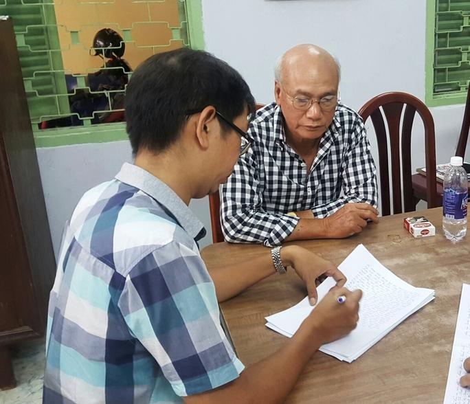 Đặng Hữu Nam tại trụ sở công an