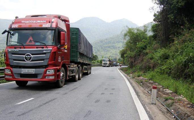 Xe quá khổ, quá tải tái xuất trên Quốc lộ 20 đoạn qua đèo Bảo Lộc (tỉnh Lâm Đồng)