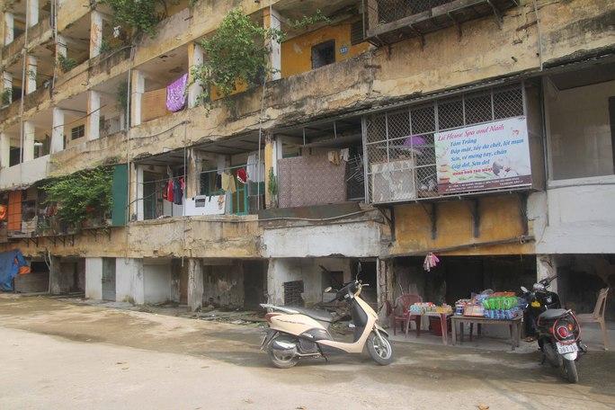 Chung cư Quang Trung (TP Vinh, tỉnh Nghệ An) xuống cấp nghiêm trọng