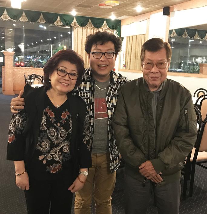 Nghệ sĩ thương tiếc soạn giả Yên Lang - Ảnh 1.