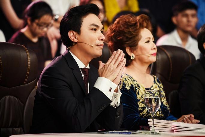 Ca sĩ Mạnh Quỳnh ngồi ngế giám khảo
