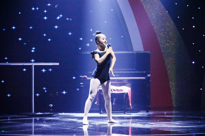 Cô bé 10 tuổi đa tài khiến Ốc Thanh Vân nể phục - Ảnh 4.