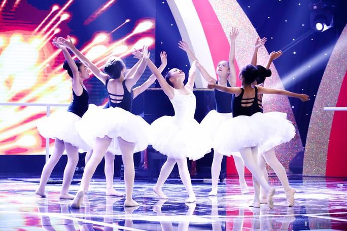 Cô bé 10 tuổi múa ballet khiến Ốc Thanh Vân khóc nức nở - Ảnh 2.