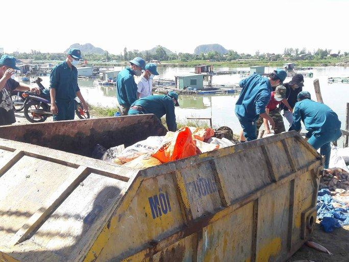 Hơn 80 tấn cá chết trắng trên sông Cổ Cò - Ảnh 4.