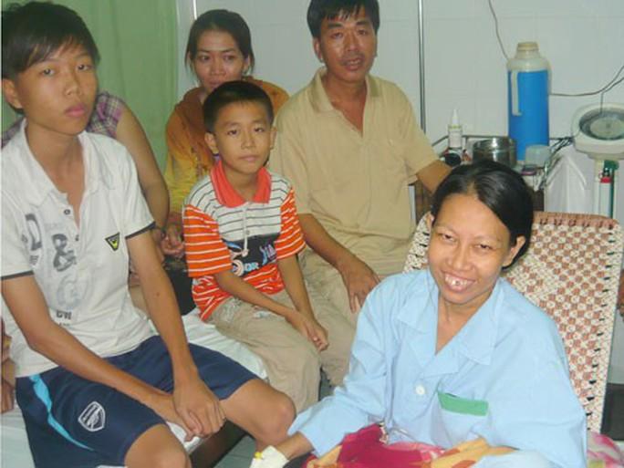 Vẫn chưa ngã ngũ vụ bệnh nhân bị cắt nhầm thận - Ảnh 1.