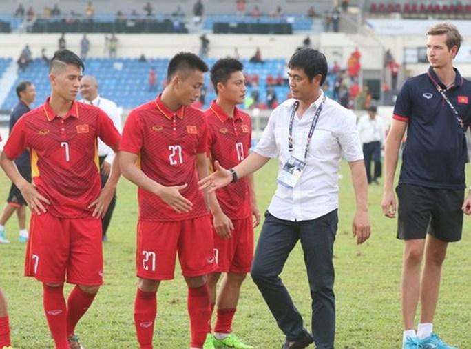 U22 Việt Nam - Thái Lan 0-3: Dừng chân SEA Games, HLV Hữu Thắng từ chức - Ảnh 1.