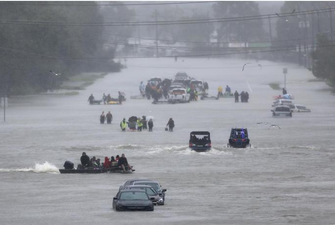 Tấm ảnh ám ảnh của nạn nhân thiệt mạng trong bão Harvey - Ảnh 18.