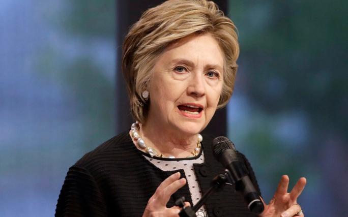 Bà Clinton cảnh báo về cuộc chiến với ông Kim Jong-un - Ảnh 1.